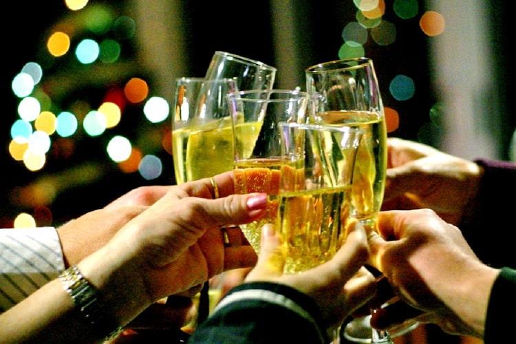 Застільні тости на Новий рік