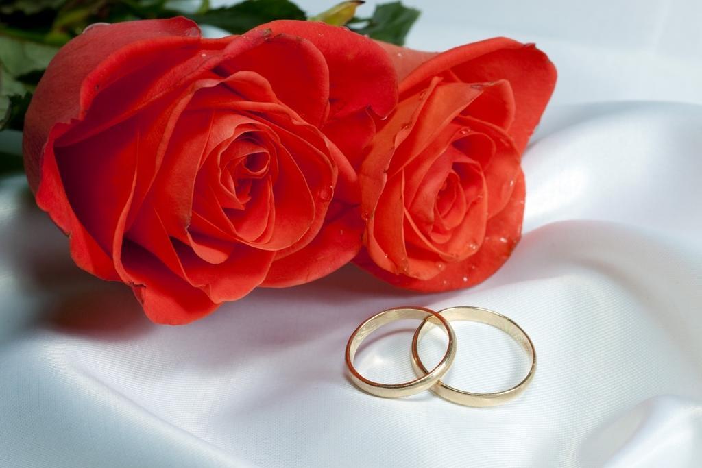 Короткі прикольні весільні привітання