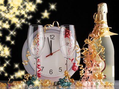 Новорічні короткі привітання з Новим роком коханому хлопцеві у віршах