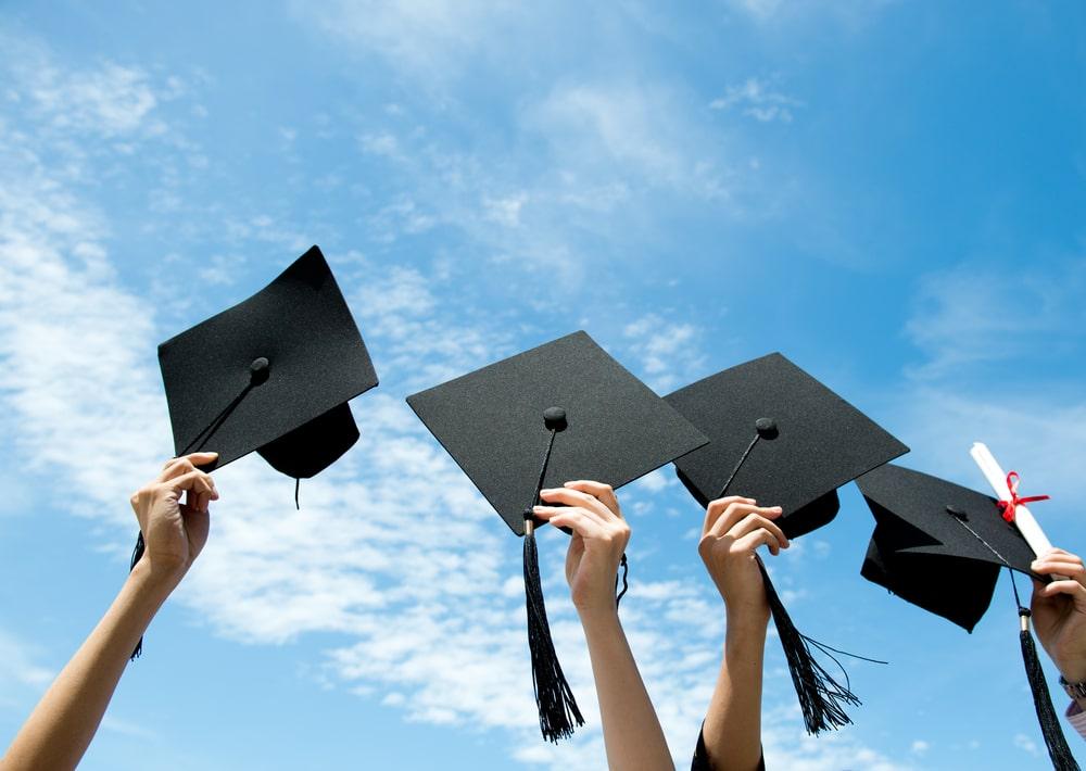 Привітання з отриманням диплома